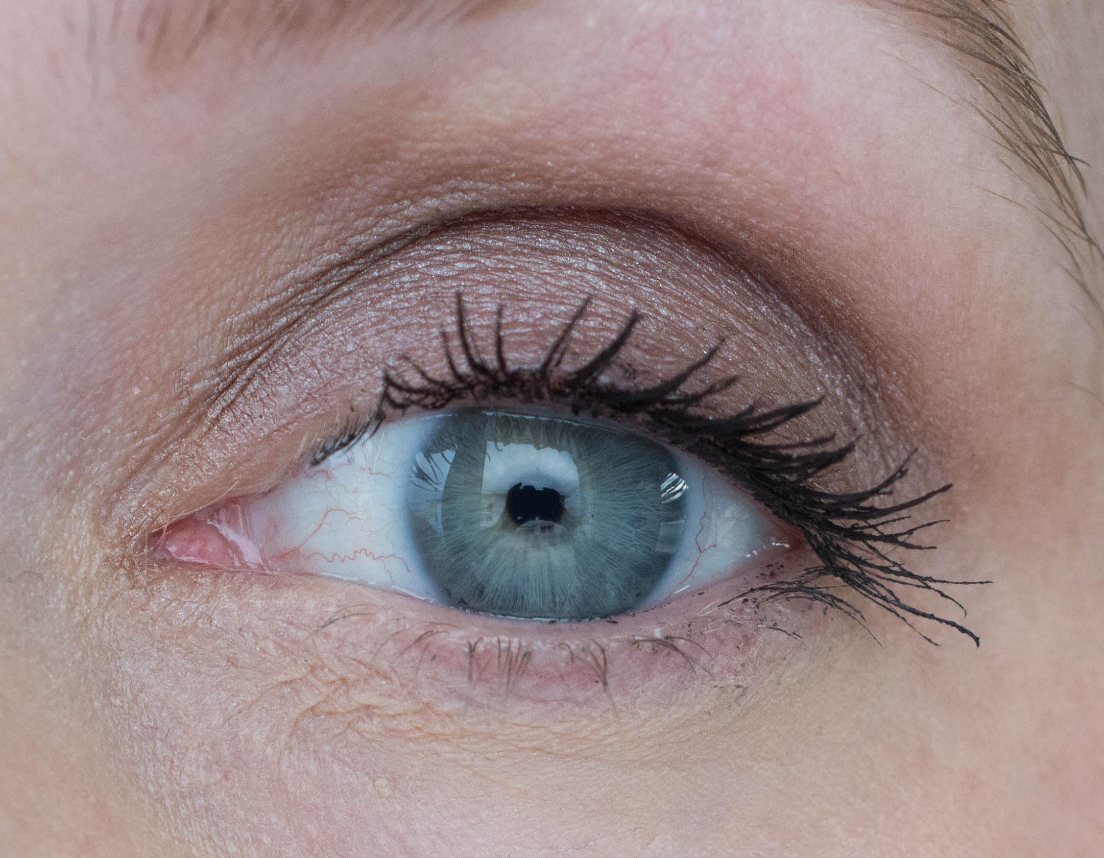 Lancôme Grandiôse Mascara applied - one coat