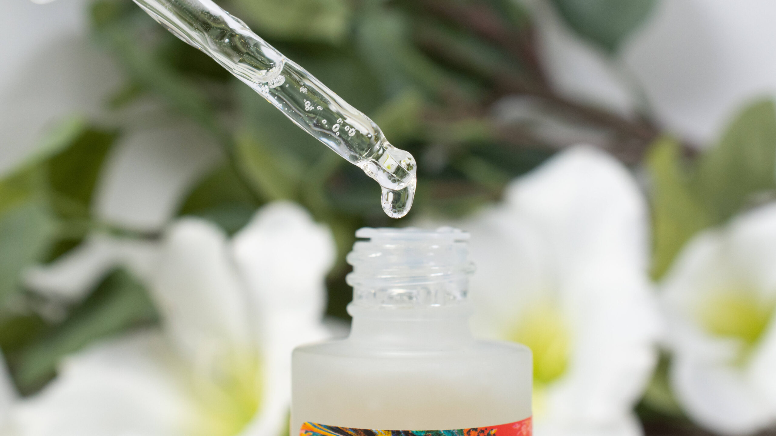 Close up of the Good Molecules Discoloration Correcting Serum